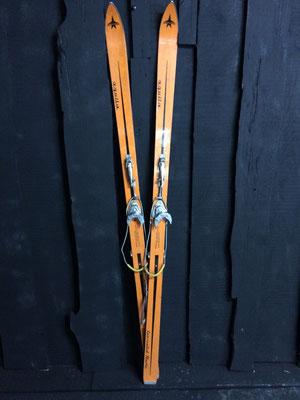 skis vintage altipic ref 002 réservé