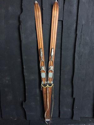 skis vintage altipic ref 023  réservé