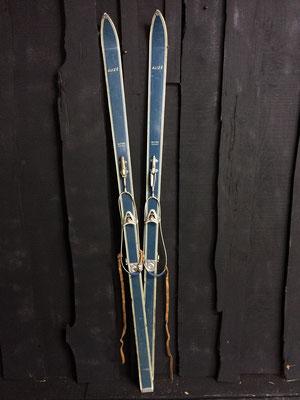 skis vintage altipic ref 010  réservé