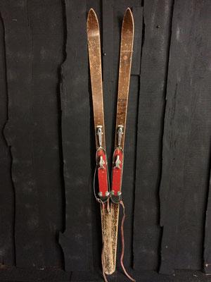 skis vintage altipic ref 020 réservé
