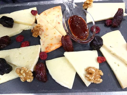 Tabla variada de quesos de la mancha