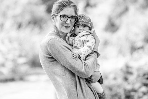 Familienshooting im Tierpark in Greifswald mit Jessy, Emil und Emmi| Lachen| Fröhlich| Baby| Geschwister| spielen| Ostsee| Neubrandenburg| Familienshooting| Portraitshooting| Hendrikje Richert Fotografie