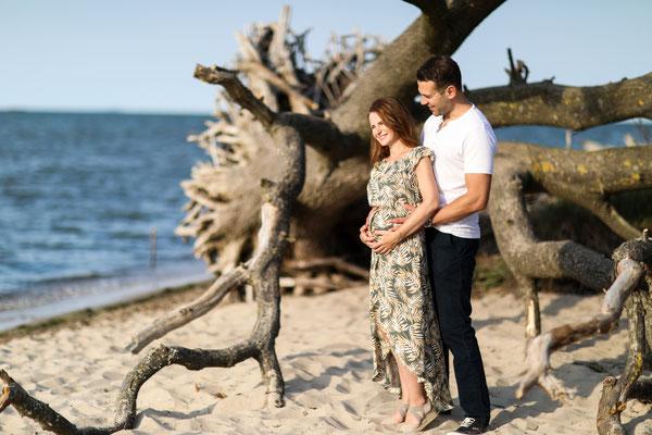 Schwangerschaft| Hendrikje Richert Fotografie| Strand| Greifswald| Schwangerschaftsfotos| Schwangerschaftsshooting