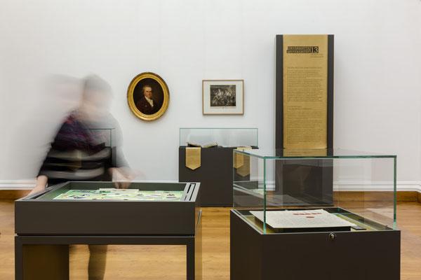 Ausstellung Weimar- digitaler Druck auf goldenem Kunstleder