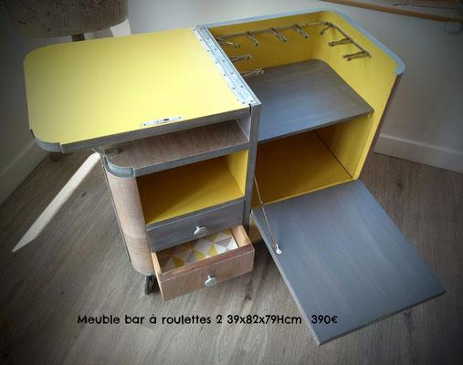 Meuble bar à roulettes 2 39x82x79Hcm  390€