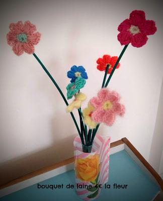 bouquet de laine 4€ la fleur