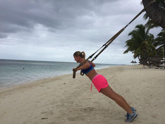 TRX Training am Strand