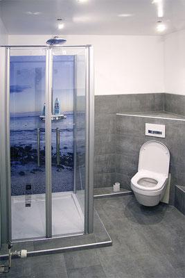 Renoviertes Badezimmer mit Mikrozement versiegelt.