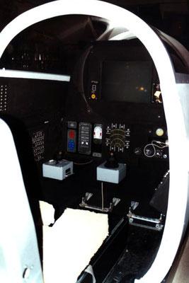 O para promocionar un simulador quieres tener una cabina de avión