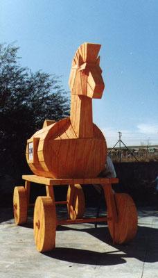 Caballo de Troya con Ruedas