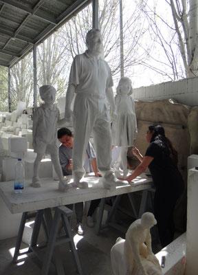 Podemos escanearte tridimensionalmente y hacer tu escultura ...