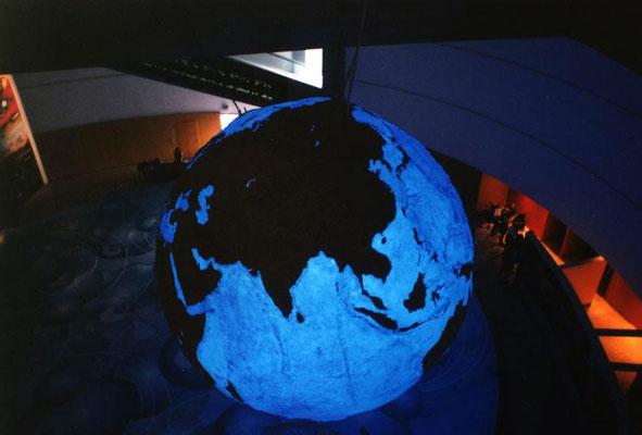Esfera de 5 metros de diametro en Expo MUndial Lisboa, Pabellón del Futuro