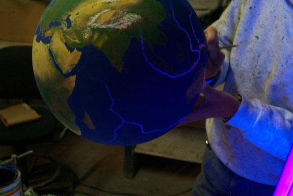 Esfera Mundi, ULtravioleta, para exposición en el INTA