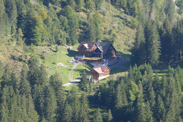Das Übernachtungsziel: Berggasthaus Plattenbödeli.