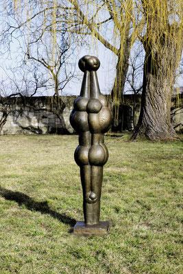Wander Bertoni  Titel: Pomona  Technik: Bronze, patiniert  Größe: Höhe 183 cm  Edition: Auflage 3  Jahr: Entwurf 1962
