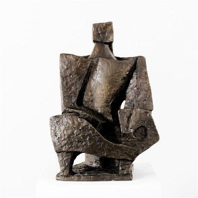 Wander Bertoni  Titel: Kleiner Lautenspieler  Technik: Bronze, patiniert  Größe: Höhe 46 cm  Edition: Auflage 7  Jahr: Entwurf 1948 / Guss 2017
