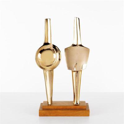 Wander Bertoni  Titel: Mann und Frau  Technik: Bronze, poliert  Größe: Höhe 35 cm  Edition: Auflage 7