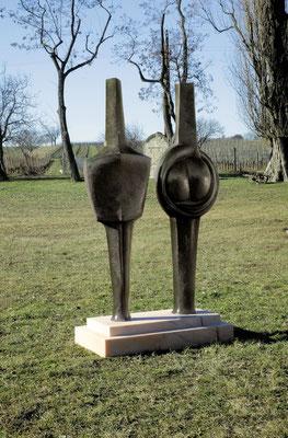 Wander Bertoni  Titel: Mann und Frau,  Technik: Bronze, patiniert  Größe: Höhe 214 cm  Edition: Auflage 3  Jahr: Entwurf 1955-1990