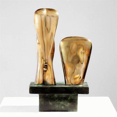 Wander Bertoni  Titel: Torsi  Technik: Bronze, poliert  Größe: Höhe 33 cm  Edition: Auflage 7  Jahr: Entwurf 1955