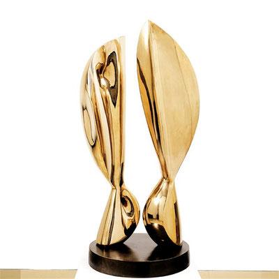 Wander Bertoni  Titel: Das Doppelte B  Technik: Bronze, poliert  Größe: Höhe 98,5 cm  Edition: Auflage 7  Jahr: Entwurf 1954
