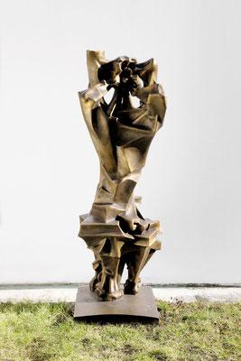 Wander Bertoni  Titel: Kentaur  Technik: Bronze, patiniert  Größe: Höhe 183 cm  Edition: Auflage 7  Jahr: Entwurf 1958 / Guss 2014