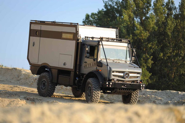 outlaw unimog prestige camping cars. Black Bedroom Furniture Sets. Home Design Ideas