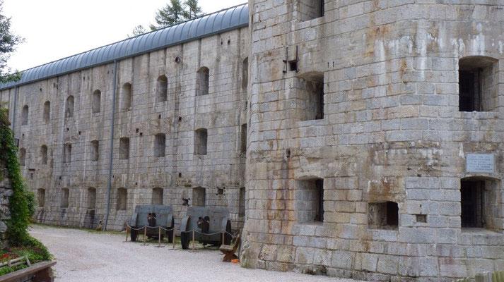"""Festung """"Werk Gschwend"""" aus dem 1. Weltkrieg bei Lavarone"""
