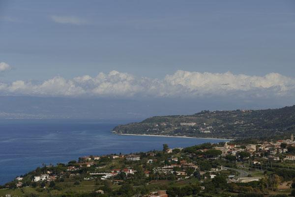 Die Küste östlich von Tropea
