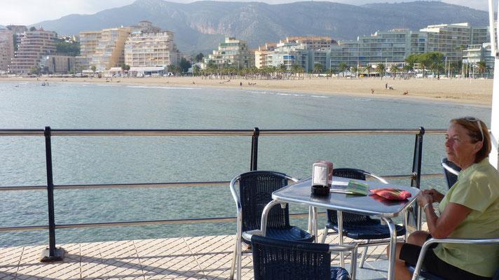 Hier haben wir ein 4-Gänge-Menu für 14€ mit Blick auf die Bucht von Oropesa del Mar genossen