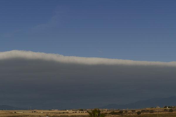 Wolken-Tsunami auf dem Rückzug