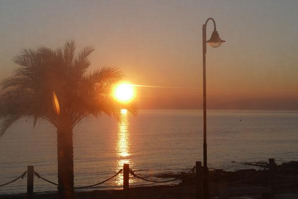 Sonnenuntergang am Sonntag