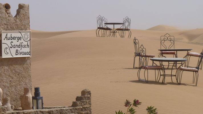 Hotel/Restaurant mitten in der Wüste