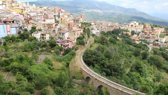 Die Bahntrasse des Trenino Verde, der von Arbatax bis Gaido fährt