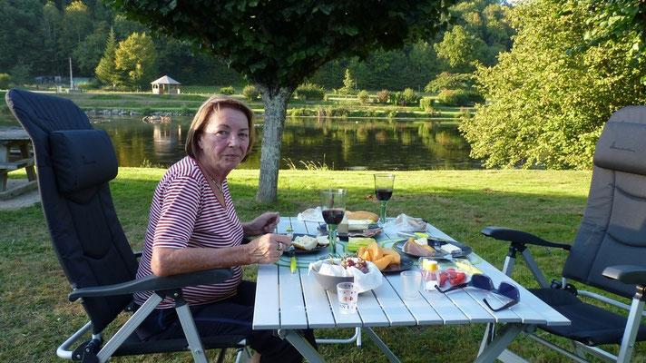 Französisches Abendbrot an der Vienne