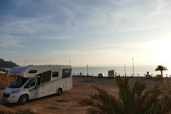 Unser freier Stellplatz am Strand von La Azohia