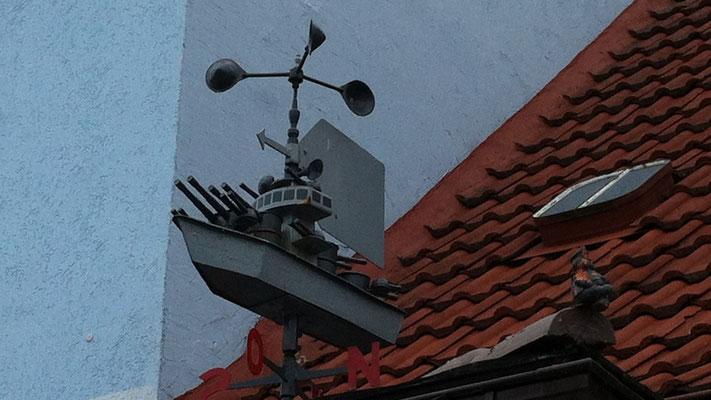 Ein DDR-Kanonenboot als Wetterfahne in Altwarp