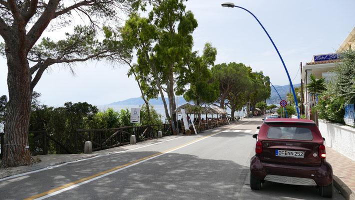 Bars und Restaurants direkt am Ufer von Cala Gonone