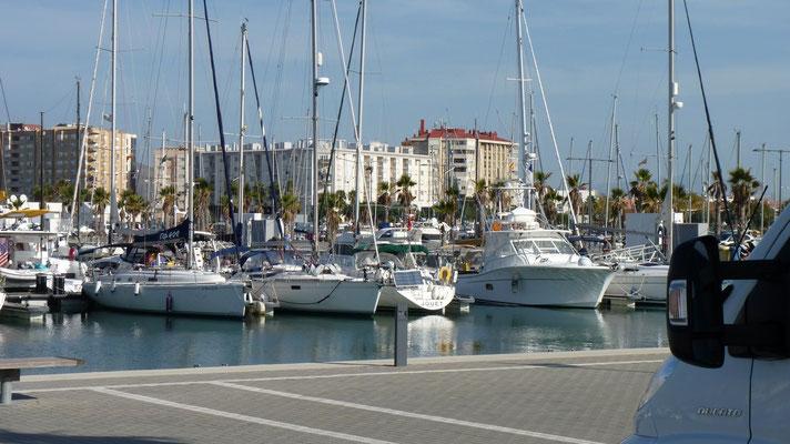 Unser Blick auf den Yachthafen