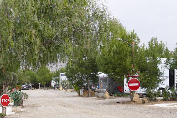 Der Eingang vom Stellplatz Rancho Buena Vista, rechts der 2. ALPA
