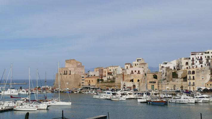 Hafen von Castellammare