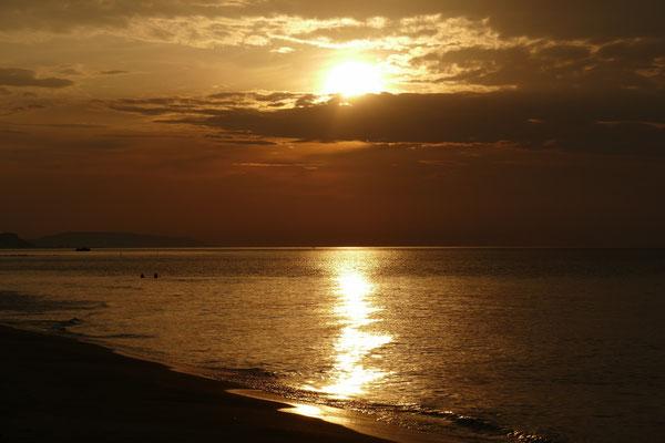 Sonnenuntergang an der Baia Calenella