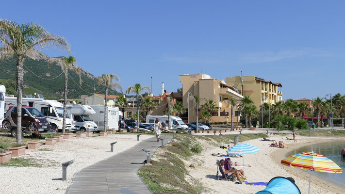 Parkplatz, Promenadensteeg, Stadtstrand, Meer (alles innerhalb von 20 Meter)