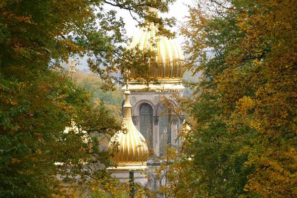 Die goldenen Dächer der Russischen Kirche