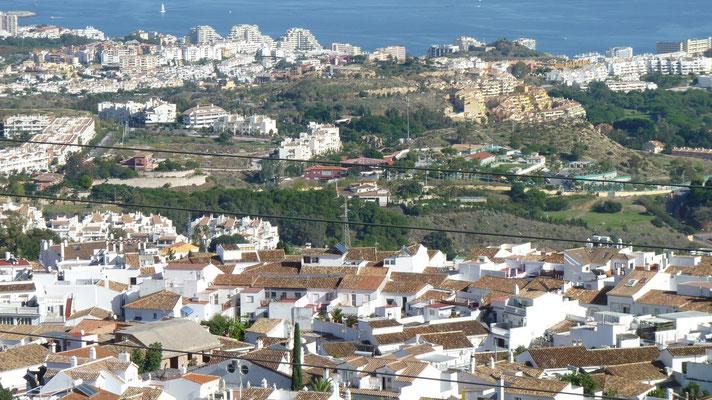 So zugebaut sieht die Küste zwischen Algeciras und Malaga aus. Man kann das Ende eines Ortes und den Anfang nicht erkennen