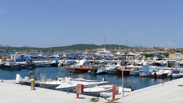 DerSportboothafen von Golfo Aranci