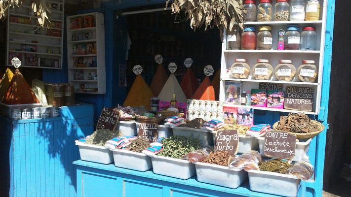 Typischer Gewürzstand in Essaouira