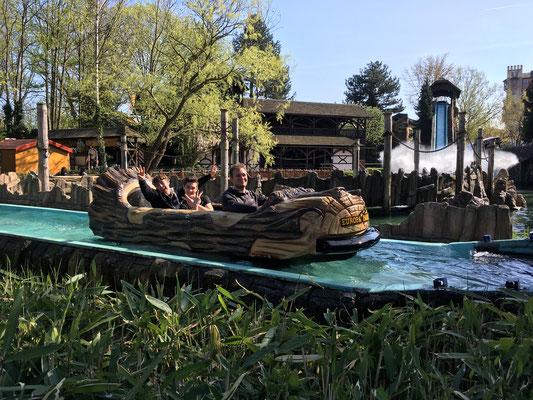 Thomas, Pascal und Jonas auf der Wildwasserbahn