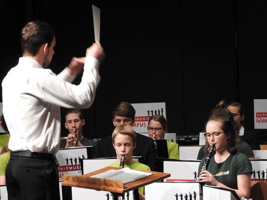 Die JUMU Glarus und Niederurnen unter der Leitung von Remo Goethe