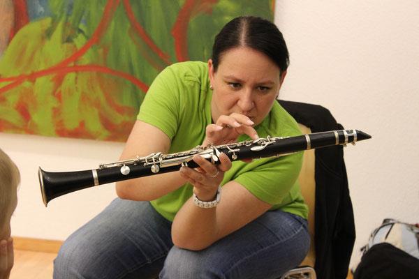 Corinne Grogg stellt die Klarinette vor