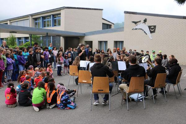 Konzert für die Glarner Primarschüler. Herzlichen Dank an Marco Hodel für die tollen Fotos!